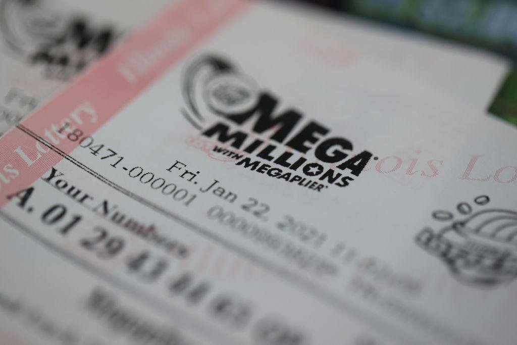 Mega Millions Jackpot Nearly 1 Billion Dollars