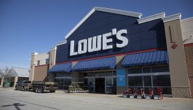 A Lowe's Store Ahead Of Earnings Figures